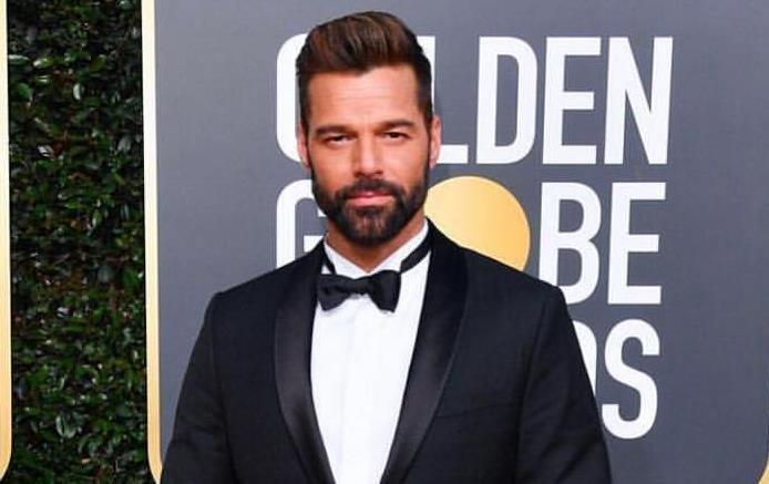 Corpão de Ricky Martin chama a atenção em clique sexy