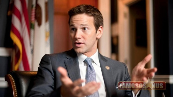 Aaron Schock Congressista americano batendo punheta.